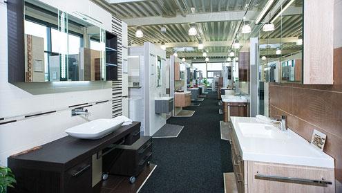Badmöbel-Sets in unserer Ausstellung