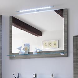 Spiegel mit Holzrahmen
