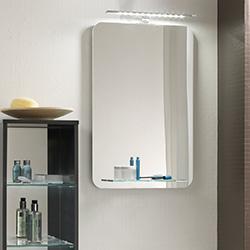 Badspiegel mit abgerundeten Ecken