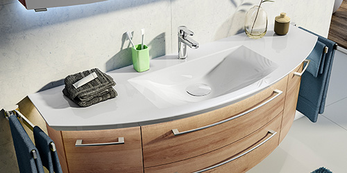 Waschbecken aus Mineralguss und Mineralmarmor